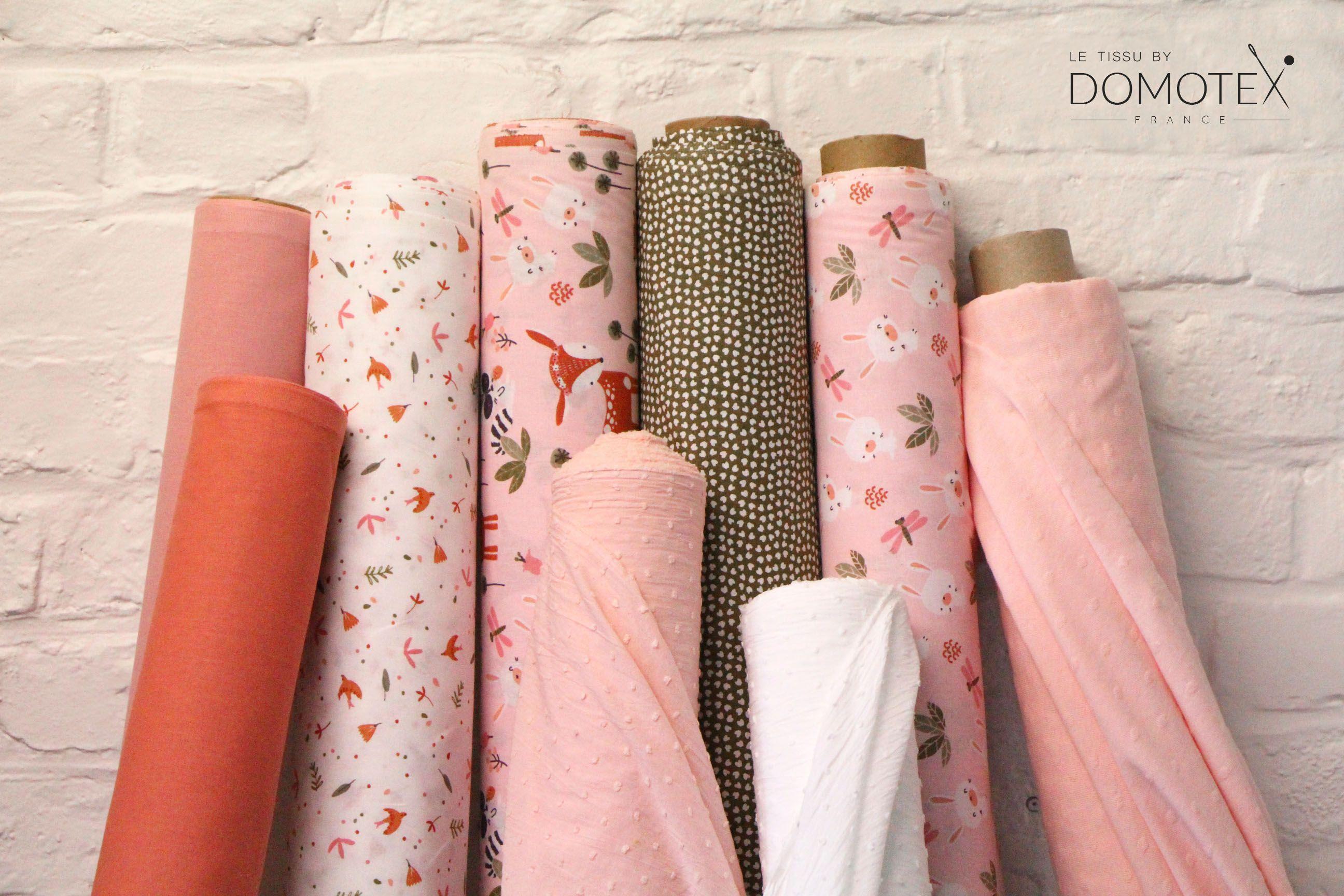 Notre Joli Theme Dolina De La Collection Kids Complete De Differents Rouleaux Tissus Unis Marsala Rose The De Pl En 2020 Tissu Imprimer Sur Tissu Roses The