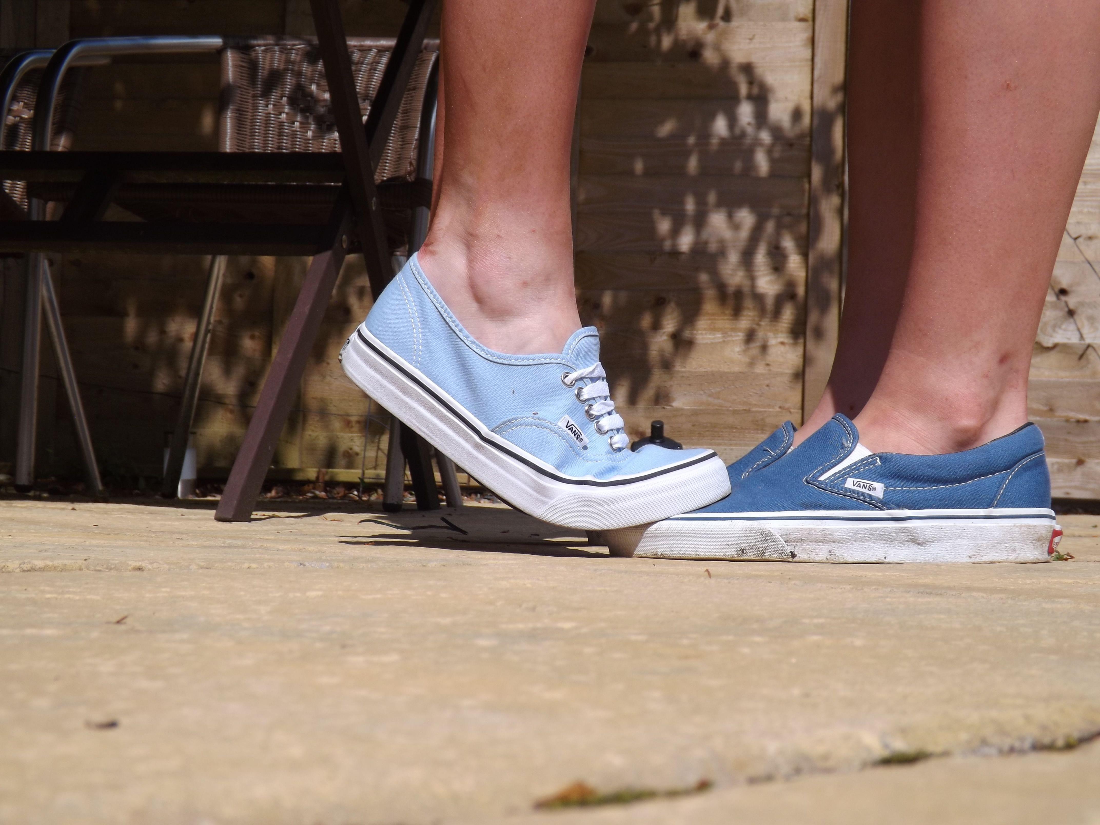 Vans, Navy vans, Vans authentic sneaker