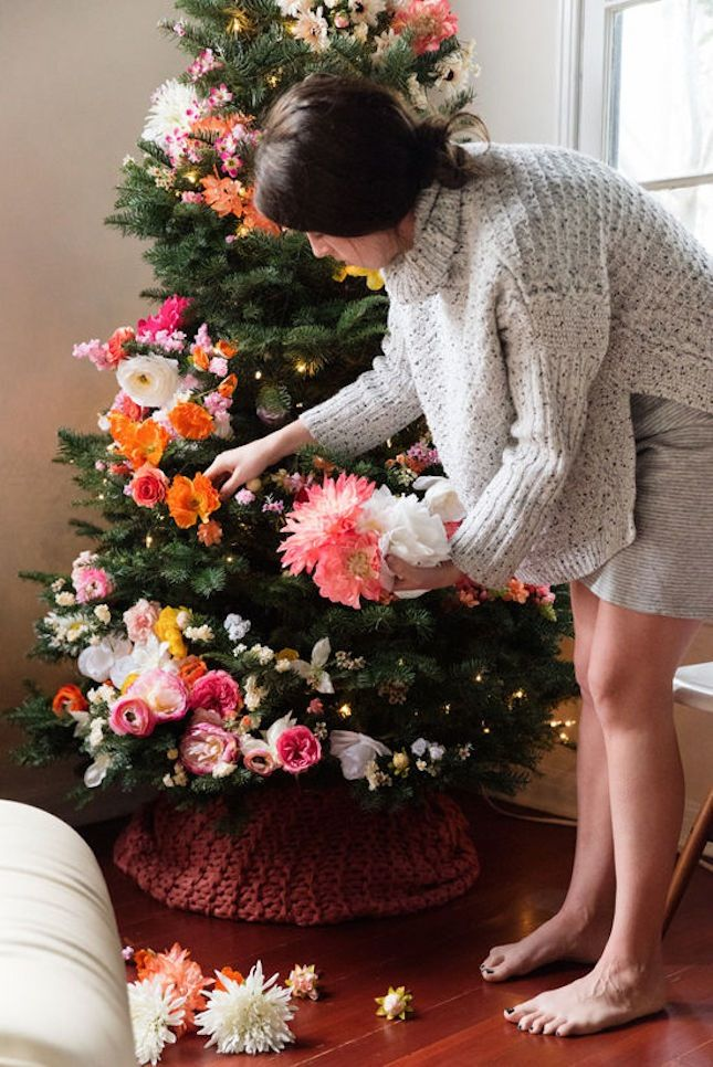 Love this chunky sweater Christmas tree skirt.