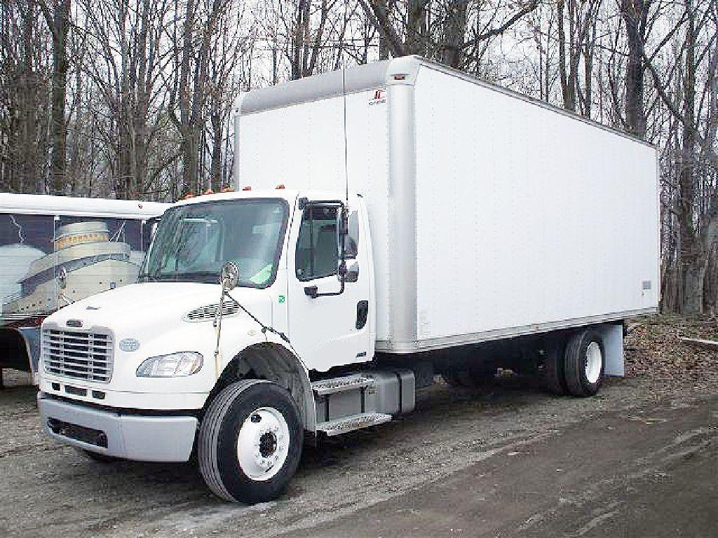 2009 Freightliner 24 Ft Cdl Straight Truck Freightliner