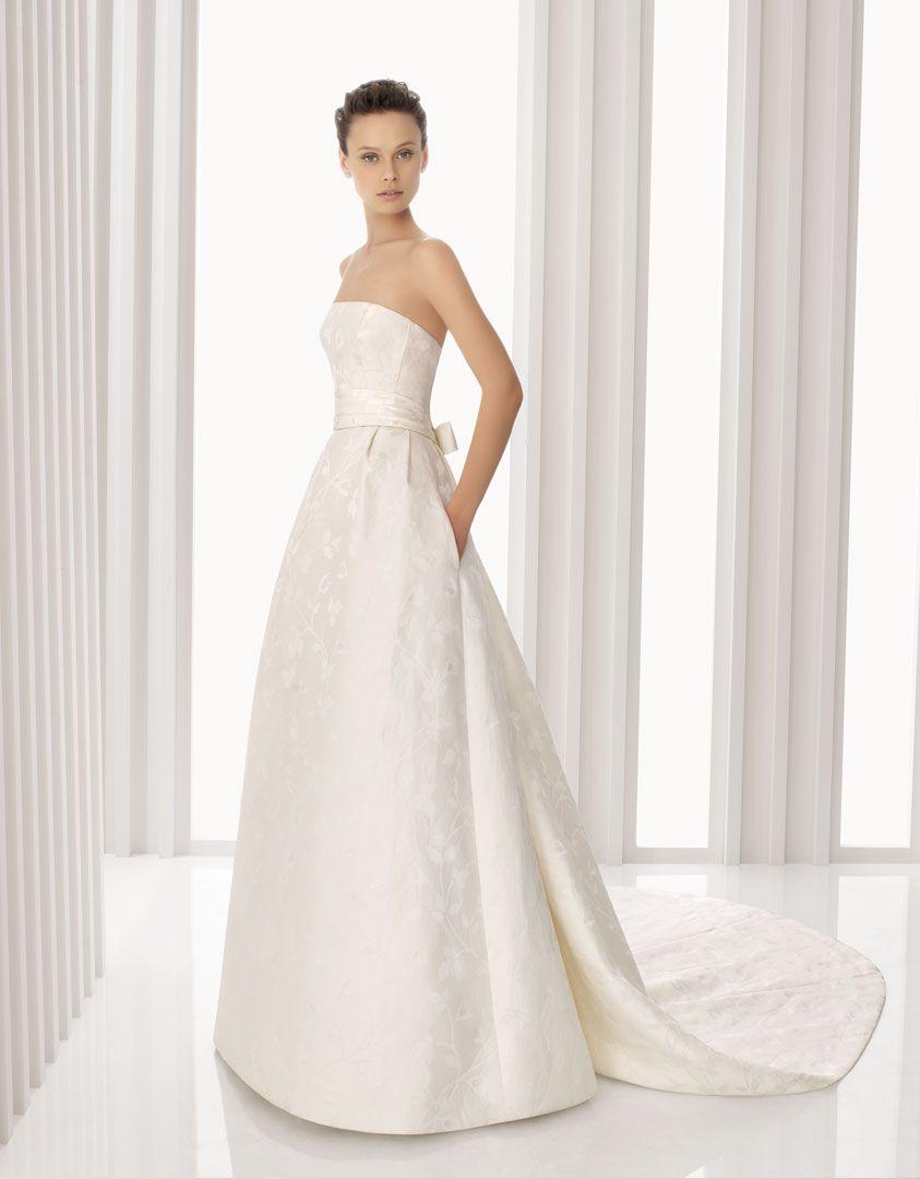 ANTIFAZ - Vestido de novia y chaqueta de brocado de seda en color ...