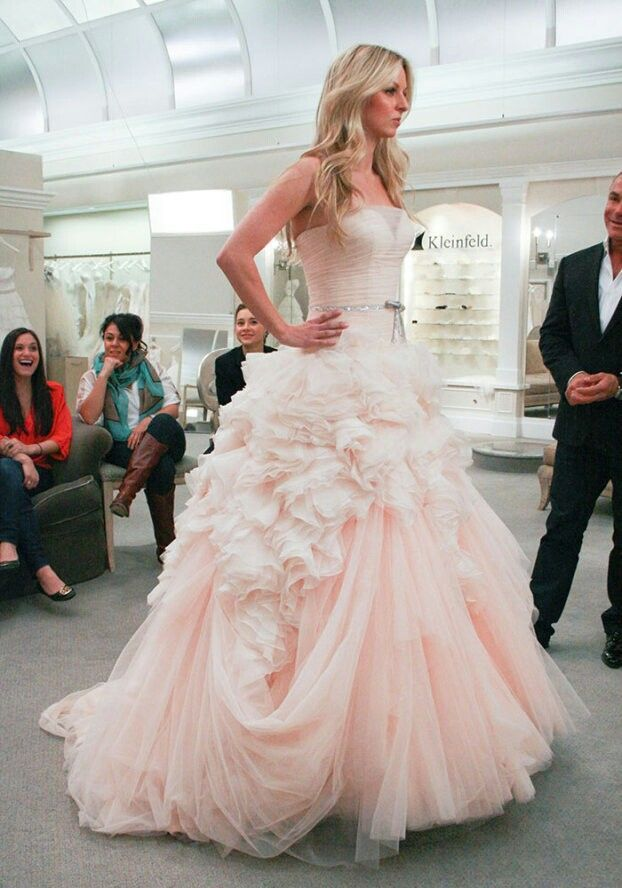 Say Yes To The Dress Season 13 Episode 16 Kristin Chenoweth S Assistant On Say Yes T Wedding Dresses Blush Wedding Dress Pictures Mark Zunino Wedding Dresses