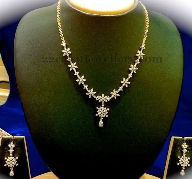 necklace range between 1 to 2 lakhs ranges diamond and gold