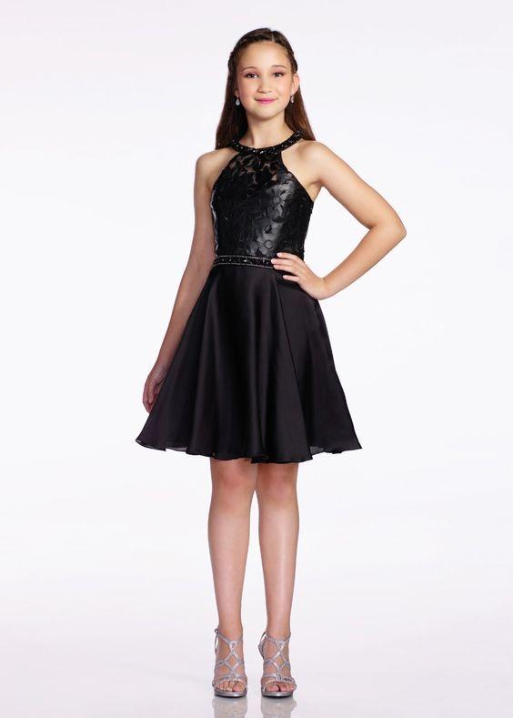 Çocuk Abiye Kıyafet Modelleri Siyah Kısa Halter Yaka Kloş Etek Üst Kısmı Çiçek Baskılı