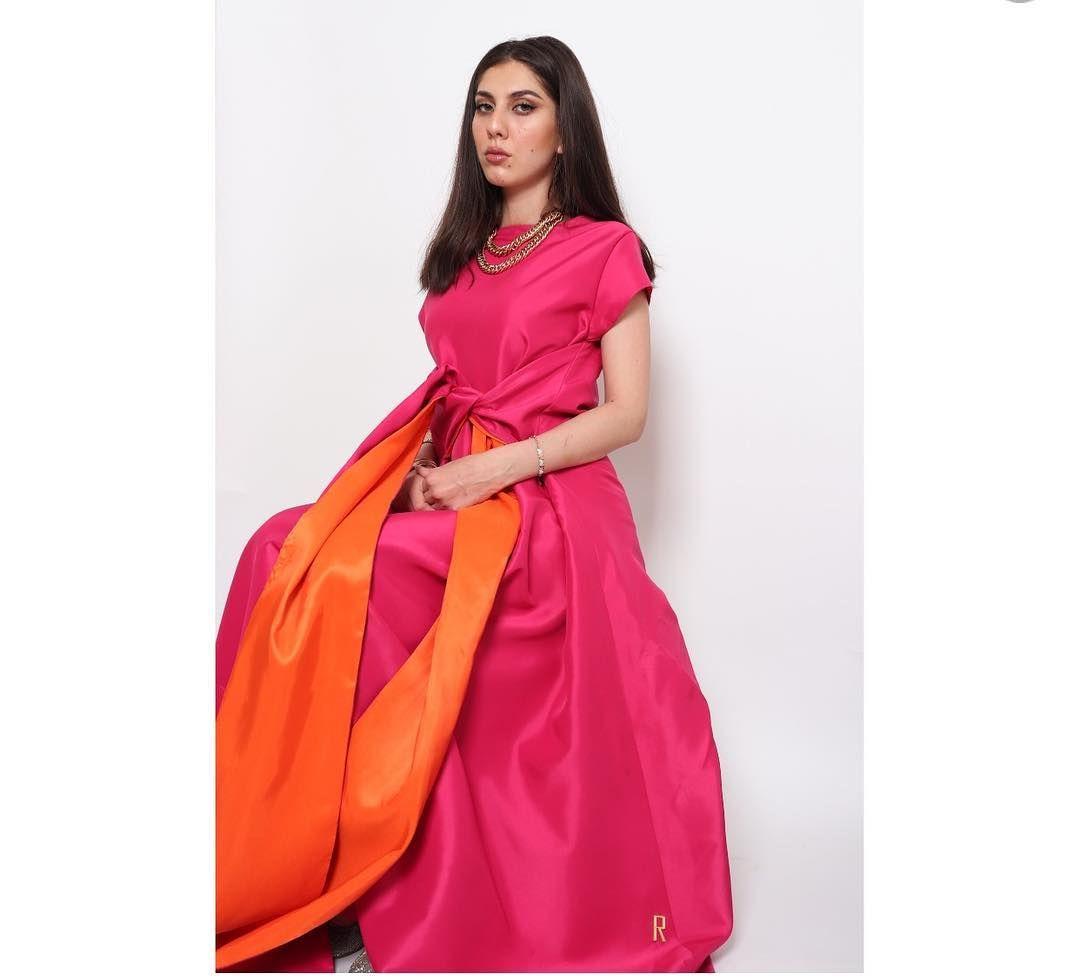 Pin By Fashion On فساتين In 2020 Abaya Fashion Fashion Sari