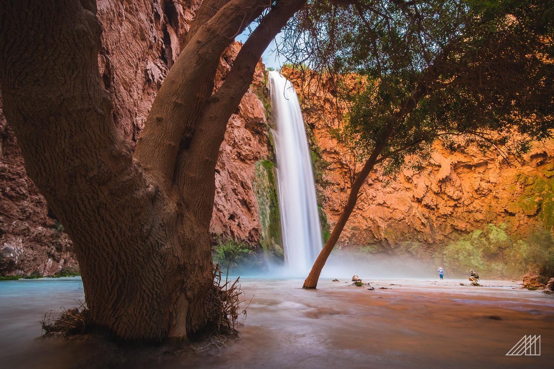 Mooney Falls in Havasupai [OC] [1500x1000]