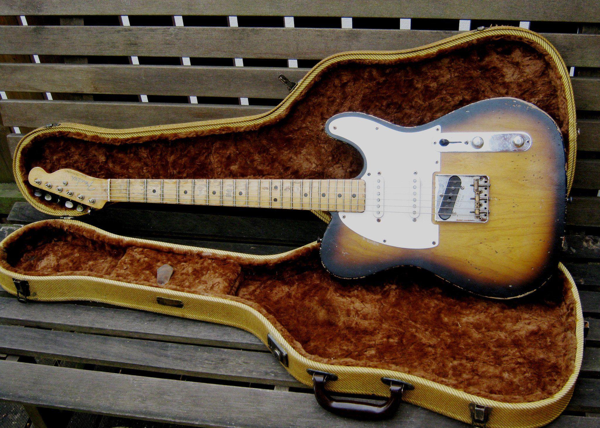 Vintage 1950 S Fender Guitar Case Reproductions Fender Guitar Case Vintage Guitars Cool Electric Guitars