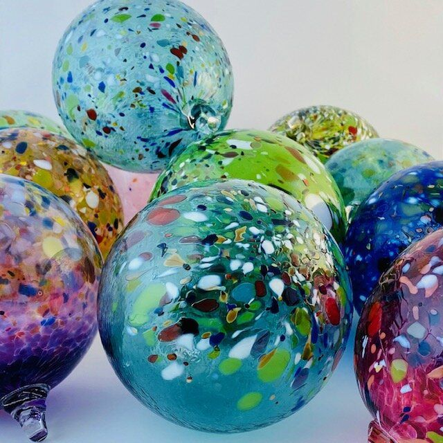 Pin On Blown Glass Ornaments Globes Friendship Balls And Suncatchers