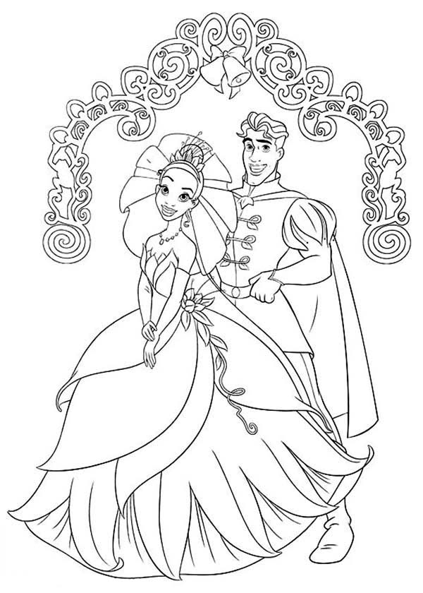 Prince Naveen And Princess Tiana Wedding Day In Princess And The Frog Coloring Pages Bulk In 2020 Frog Coloring Pages Princess Coloring Pages Wedding Coloring Pages