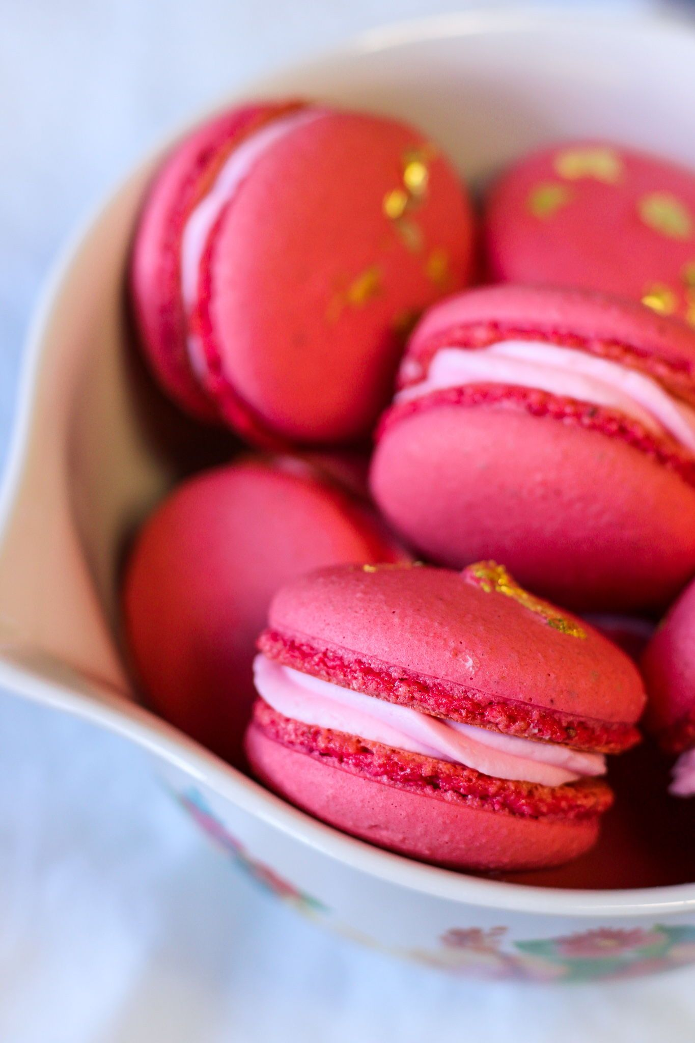 Strawberry Champagne And Rose Macarons Bakes And Blunders Recipe In 2020 Strawberry Macaron Macaron Flavors Wine Flavors