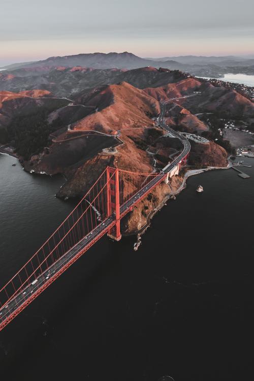 Golden Gate Bridge by @ikwt #ggb