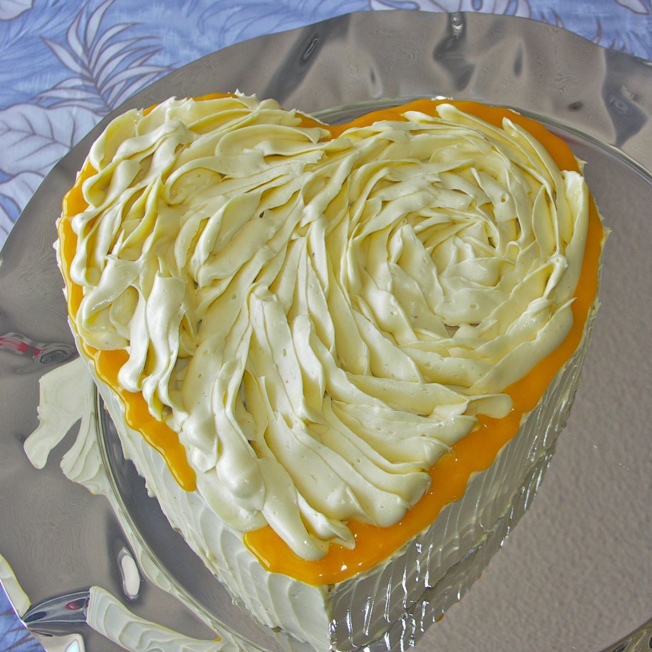 LOOKS DELICIOUS!! Woody's 07 Lemon Luxury Layer Cake