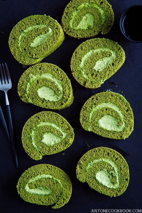 Matcha Swiss Roll (Roll Cake) 抹茶ロールケーキ • Just One Cookbook