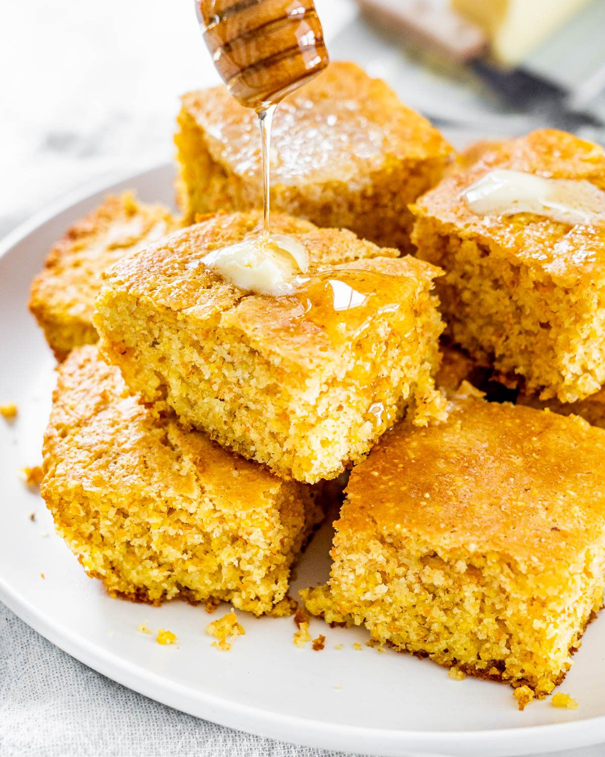 This Easy Cornbread Is Your Newest Counter Top Staple With Its Crispy Edges And Soft Inside It S Good For Breakfast In 2020 Corn Bread Recipe Cornbread Easy Cornbread