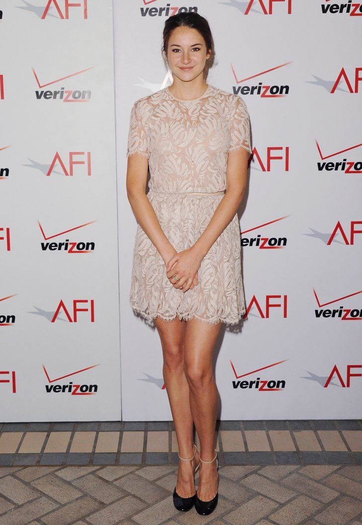 Shailene woodley in a lace honor mini at the 2011 afi