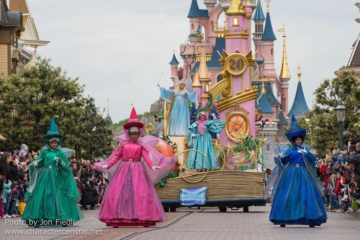 Sleeping Beauty Disney Paris Disney Magic Fairy Godmother