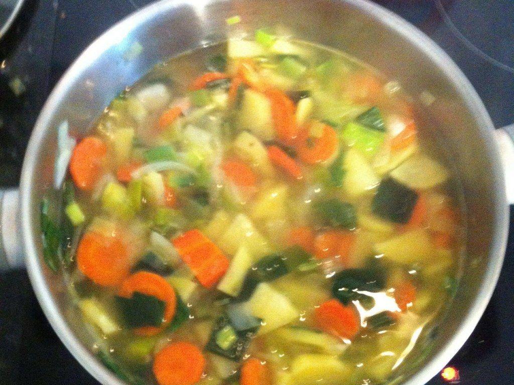 Soupe de légumes à l'ancienne   Recette en 2020   Recettes