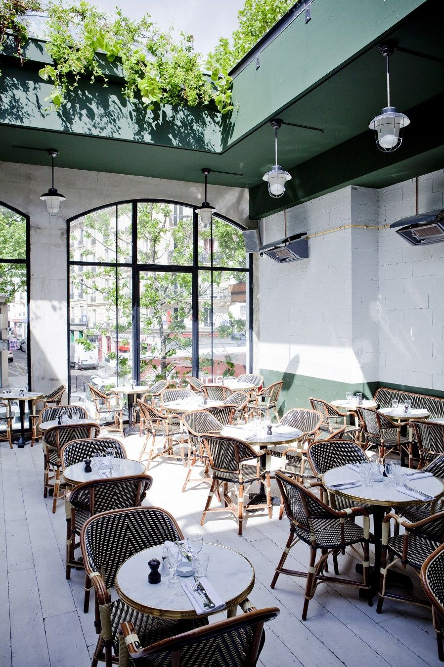 Paris Match Design Interieur De Cafe Terrasse Paris Brasserie Barbes