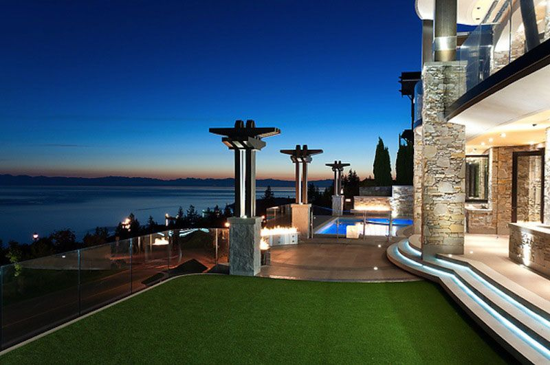 Stunning Luxury Home With Ocean View West Vancouver