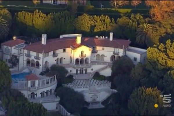 BEAUTIFUL LOCATION – Dollar Bill's Mansion | Mansions, House ...