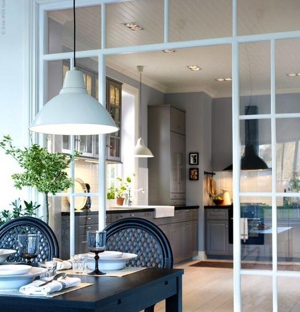 Windows Gray Kitchen Cuisine Verriere Deco Maison Et Amenagement Maison