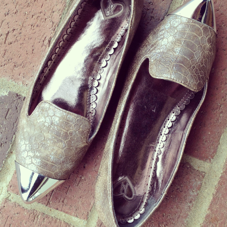 Silver cap toe metallic snakeskin loafers // $54 // www.arcoavenue.com