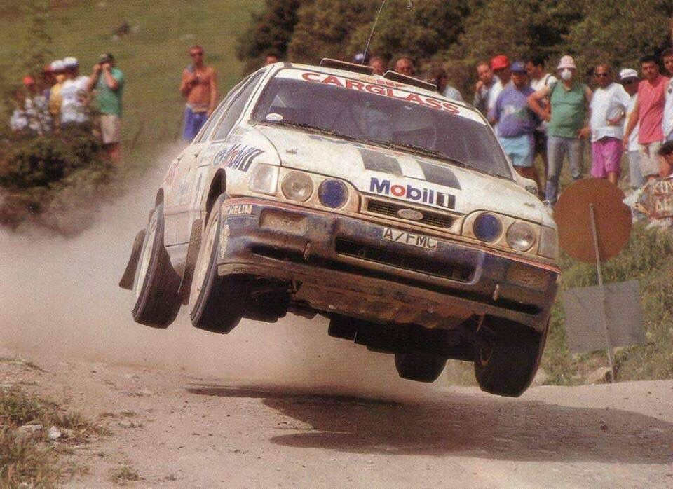 Ford Sierra Cosworth Rally Car Catching Air Racing Speed Power Performance Action ラリー 車