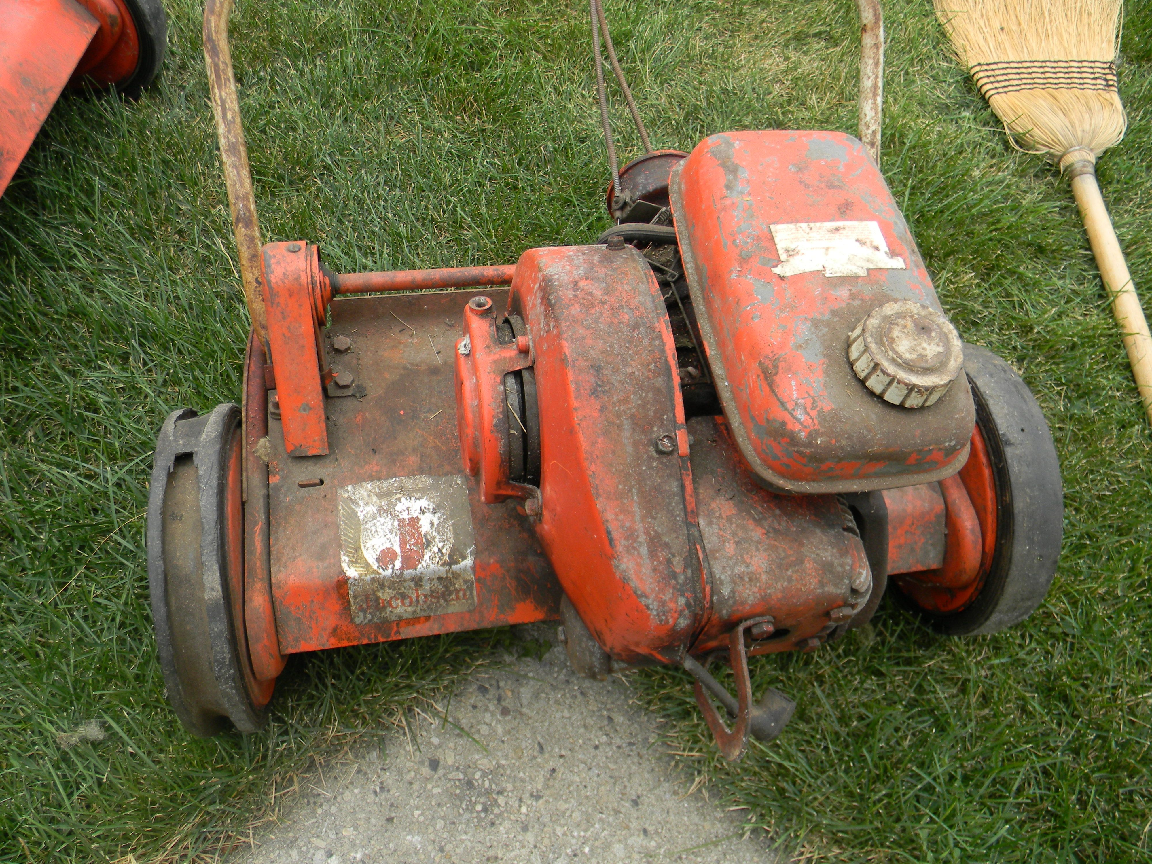 the very first oil gas mix reel mower made by jacobson of racine wi place to go racine. Black Bedroom Furniture Sets. Home Design Ideas
