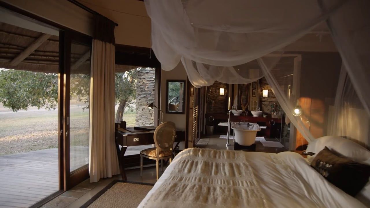 Experience Makanyi Private Game Lodge