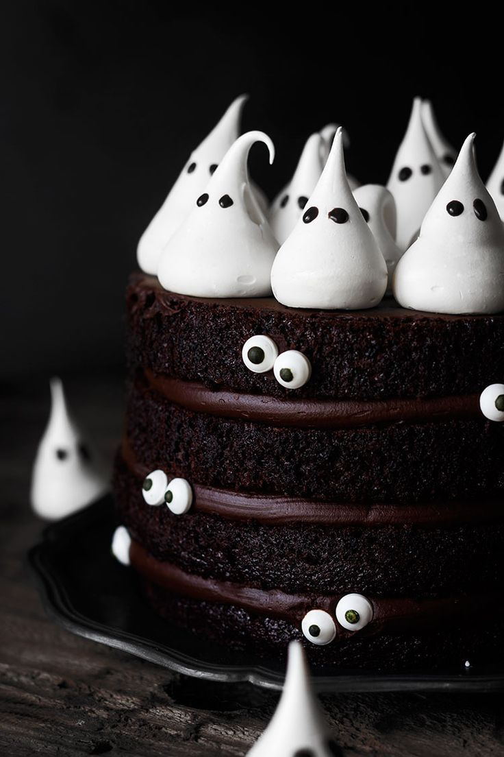 sweetoothgirl \u201cChocolate Ghost Cake \u201d food Pinterest - Halloween Cake Decorating Ideas