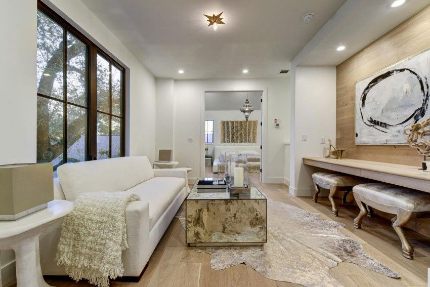A Spacious and Elegant Contemporary Home For Sale in Austin, Texas