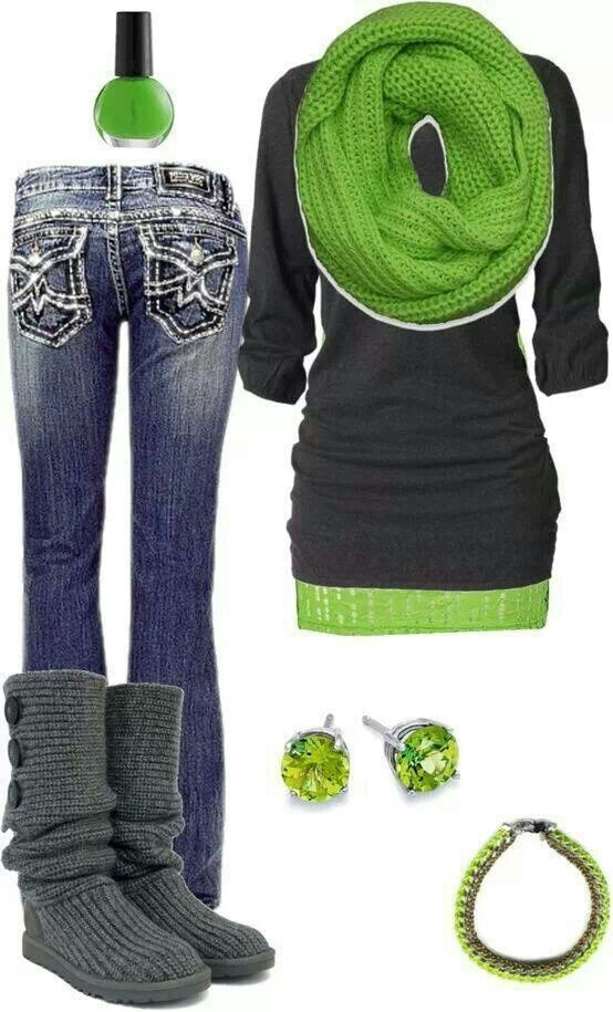 St Patrick's day outfit, like the idea of a green mini shirt over leggings