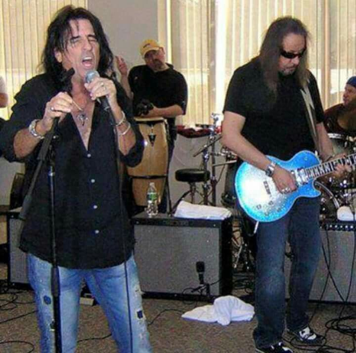 Alice Cooper Ace Frehley Shock Rock Ace Frehley Kiss Concert