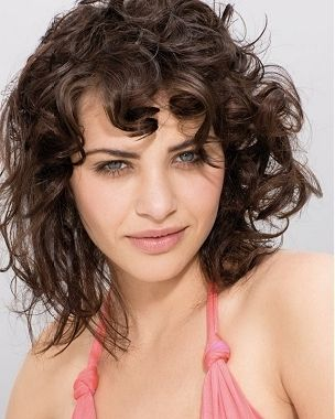 medium curly haircuts for http static becomegorgeous img arts 2011 may 13 4523 4523