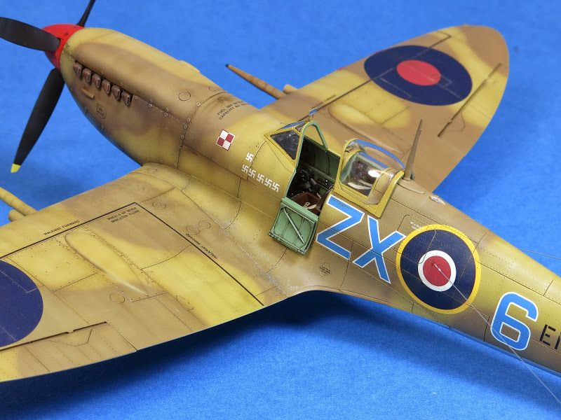 Eduard 1 48 Spitfire Mk Ix Model Airplanes Model Planes Model Aircraft