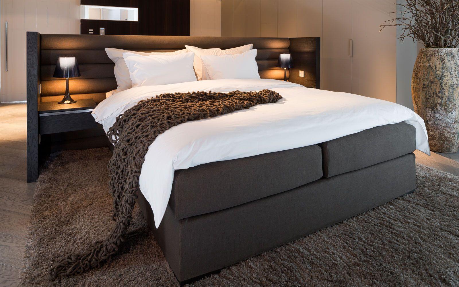 Moderne Slaapkamer Ontwerpen : Moderne villa master bedroom villas and bedrooms