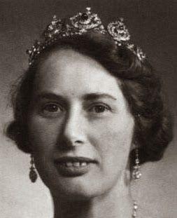 Tiara Mania: Sapphire Tiara worn by Princess Caroline-Mathilde of Denmark