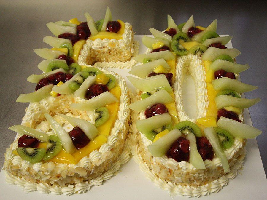 Tabler Torten. Erfrischende Jubiläums-Torte aus Obst.
