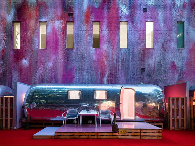 The Rooms At This Hotel Are Inside Airstream Trailers On The Roof Of The Unusual Hotels Melbourne Hotel Garage Design