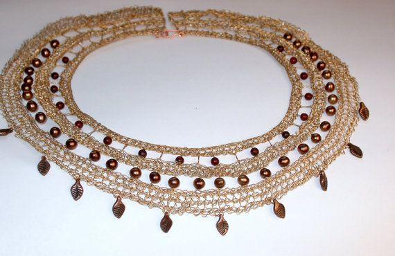 Egiziano collana stile bavaglino colore oro perle di LoopyMagpie, $138.00