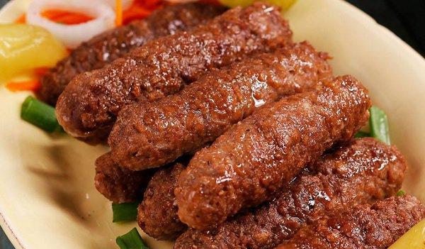 طريقة عمل الكفتة المشوية بالفرن طريقة Recipe Food Dishes Middle Eastern Recipes Cooking