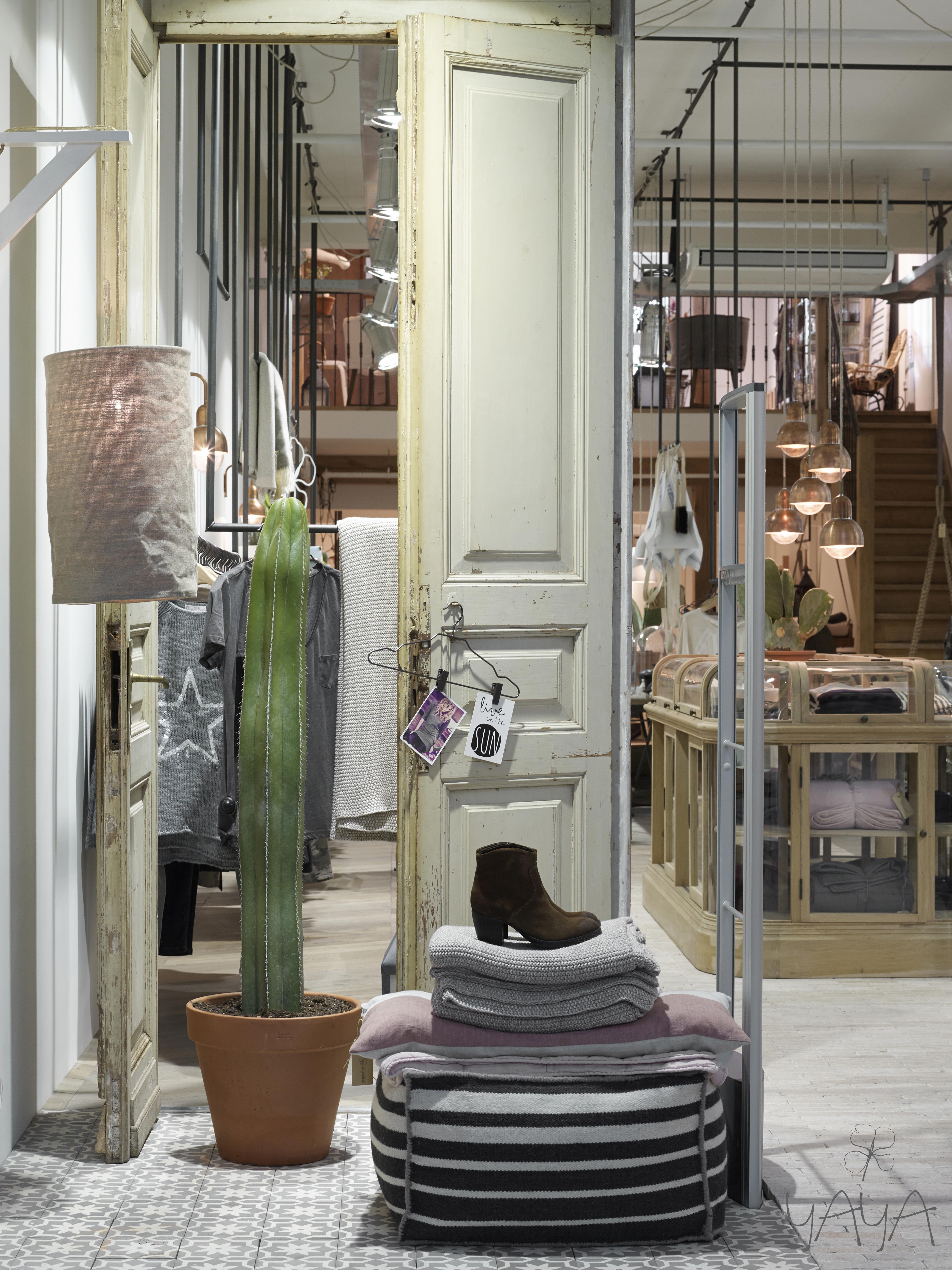 yaya concept store amstelveen winkel interieur commercile interieurs winkelontwerp boetiek winkel voorkant