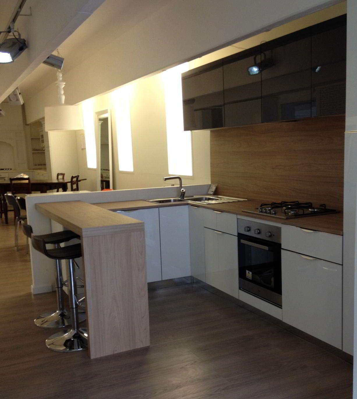 Cucina stosa modello alev laccato bianco finitura for Chiodo arredamenti