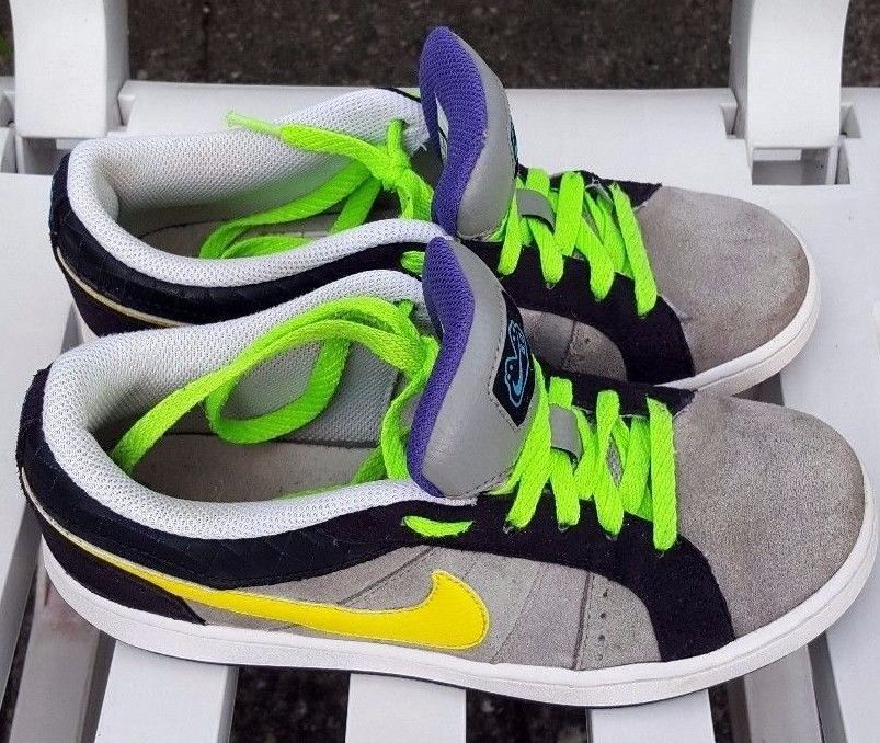Nike Isolate Jr Shoes Boys Trainers 366663-002 Charcoal/Black/Yellow Size 5