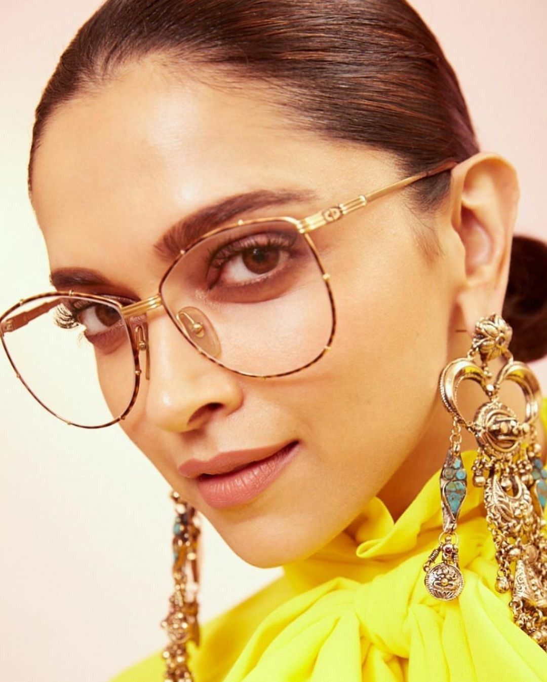 Pin by NOOR KHAN 🦋 on @DEEPIKA PADUKONE. Bollywood Actress ...