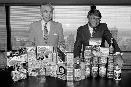 F. Ross Johnson Symbol of 80s Corporate Excess Dies at 85