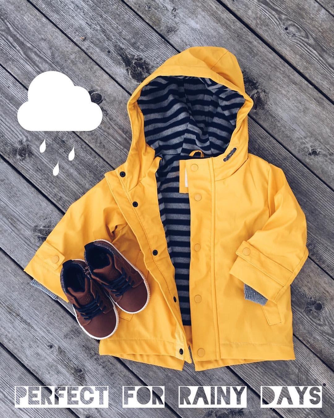 "⠀⠀⠀⠀⠀⠀⠀⠀⠀⠀⠀⠀⠀ ⠀🌺 Aмαℓιє på Instagram: ""Yєℓℓσω 🐯 Denne jakken er perfekt for det sure været vi har om dagene!🌧🌪 ᴠᴀᴋᴋᴇ ᴍʏᴇ sᴏᴍᴍᴇʀ ᴠɪ ғɪᴋᴋ ɪ åʀ (ʜᴇʟʟᴇʀ) ɢɪᴛᴛ.. Men da hadde jeg hvertfall en excuse til å kjøpe denne kule jakken til Matheo 😄🌼 #zarakids #yellow #raincoat #loveit #newin #babyboy #fresh #summer #is #over #autumn #is #here ✌🏼️"""