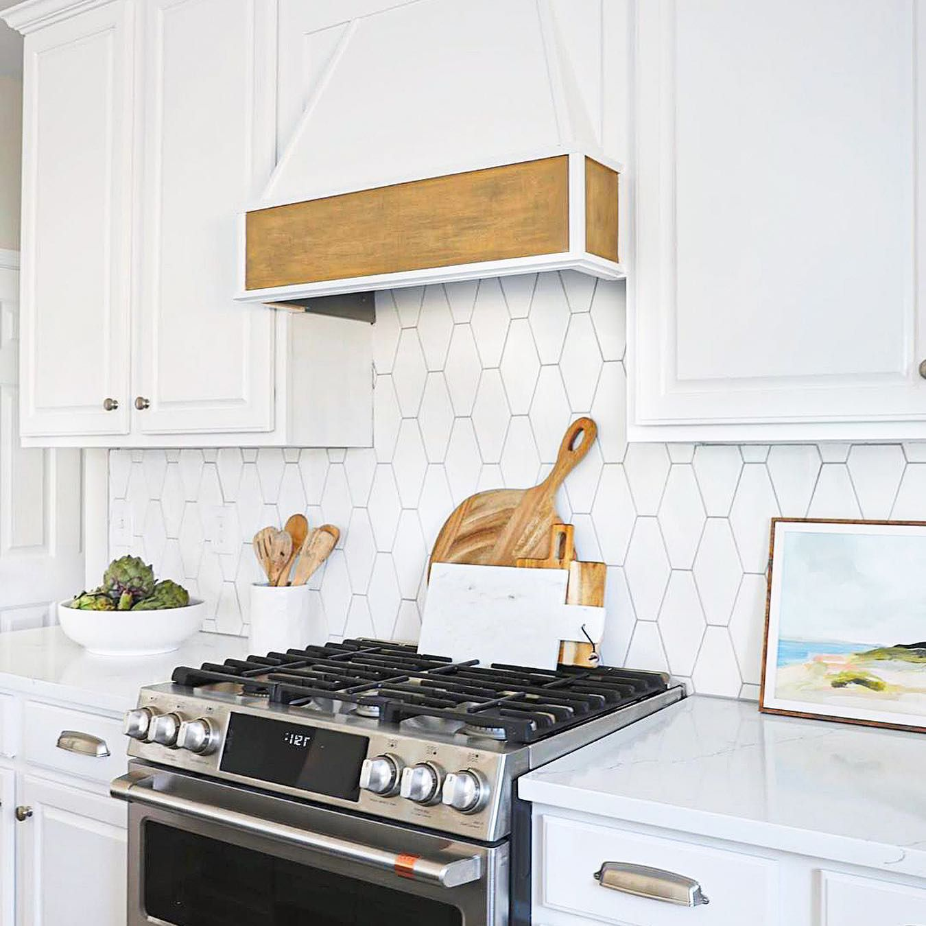 Manchester Hexagon Bianco 4x8 Ceramic Tile In 2020 Kitchen Tiles Backsplash Kitchen Tiles Ceramic Tiles