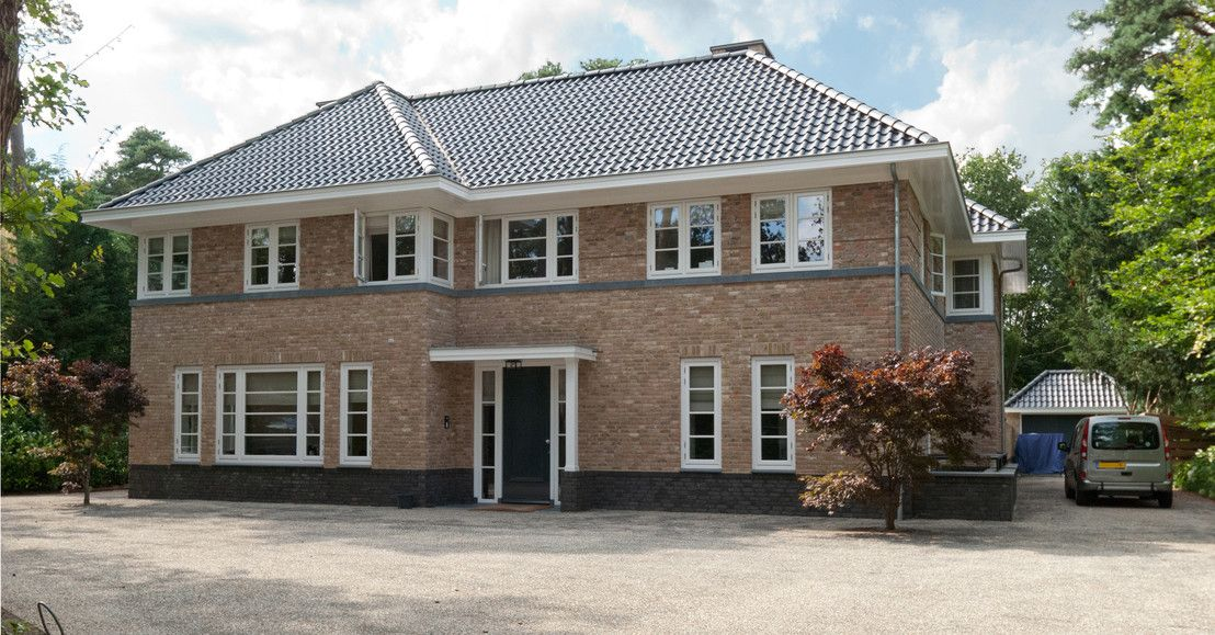 Wat vindt u van de eetkeuken aan de achterzijde? https://www.homify.nl/ideabooks/31886/luxe-villa-in-jaren-40-stijl