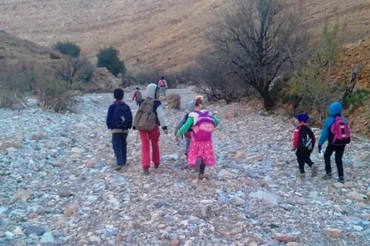 أولياء تلاميذ ينبهون إلى خطورة طريق بإقليم طاطا